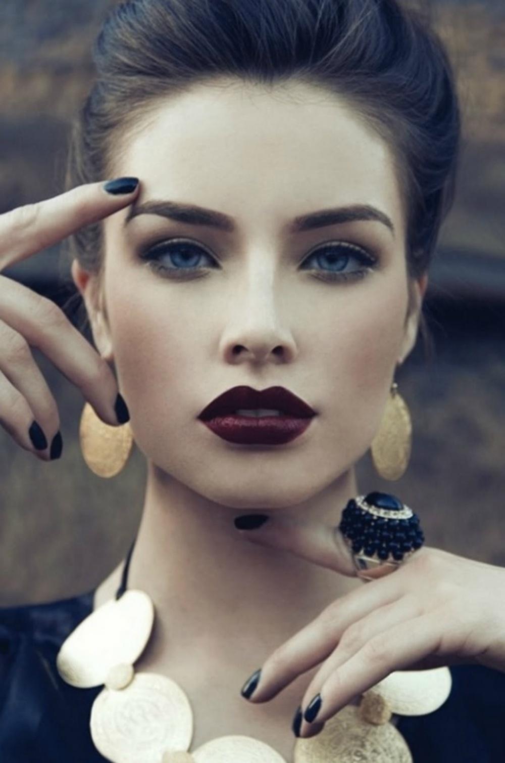 Marsala-Lips